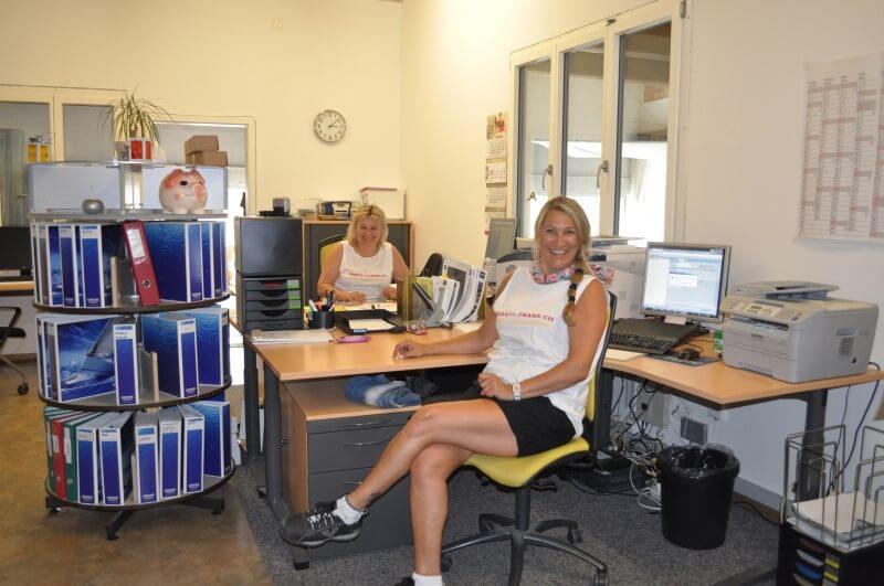 Frauen Power im Büro Logistik
